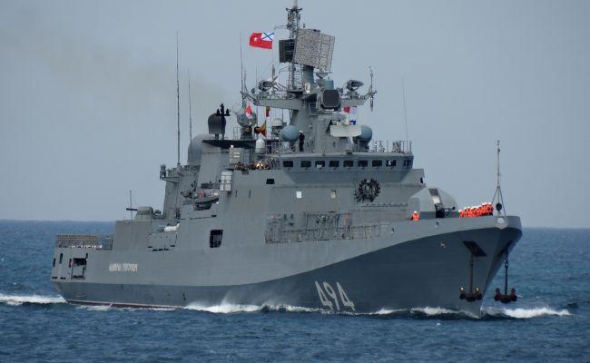 Фрегат ВМФ России прибыл в Порт-Судан, куда зашел десантный корабль ВМС США
