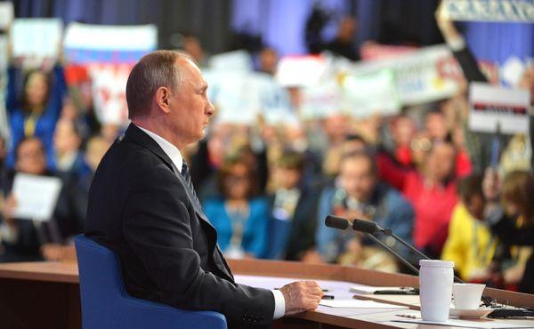 Кремль идет на рекорд: на пресс-конференцию Путина приедут 1702 журналиста