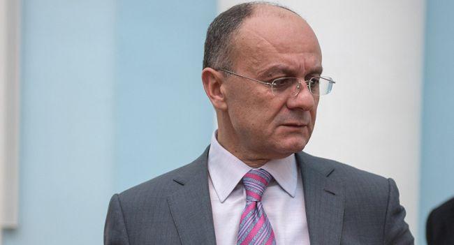 Экс-глава Минобороны Армении будет добиваться смены власти в стране