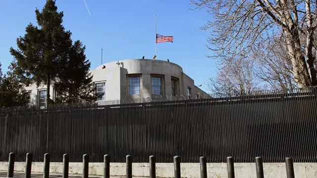 Дипведомства США вТурции приостановят работу надва дня
