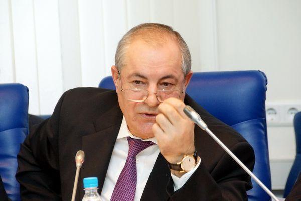Российского депутата наказали за слова о тунеядцах и алкашах