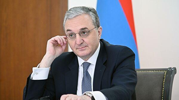 «Ереван откровенно обсуждает сМосквой настрой Баку нареванш вКарабахе»