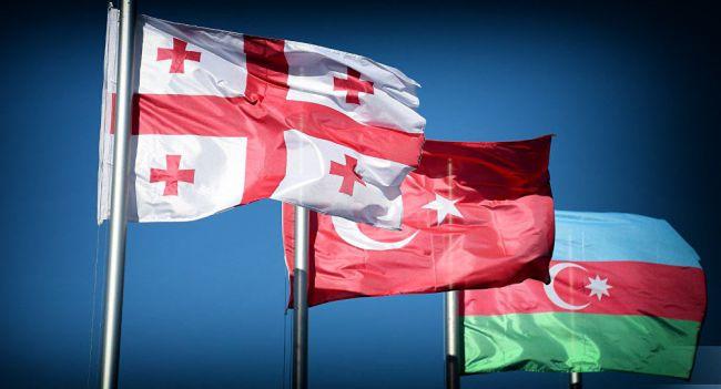 «Воюя» сРоссией, Тбилиси создает поводы для вторжения «тюркского тандема»