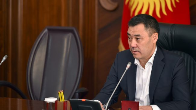 ВКиргизии Садыр Жапаров объявил себя и. о. президента