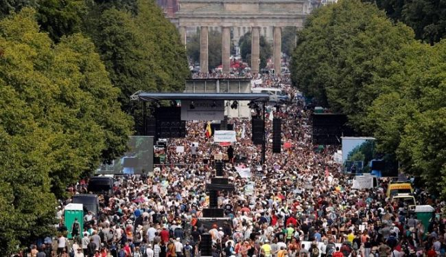 Акция протеста вБерлине может стать рекордной почисленности